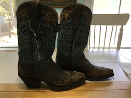 Pair of brand new brownleather cowboy boots