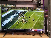"""32"""" LED SMART TV AVAILABLE BY VIZIO WITH CHROMECAST.  Los Angeles, 90014"""