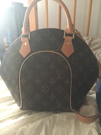 Louis Vuitton purse MOTHERS DAY  Hales Corners, 53130