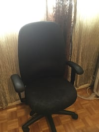 black and gray rolling armchair Montréal, H8Y 3J5