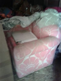 Kids chair needs cleaning or recovered  New Bern, 28560
