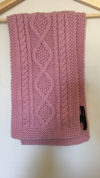MARC JACOBS Pink Knot Scarf