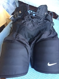 Nike Quest 3 Jr Pants Black Medium Stoney Creek, L8G 5C5