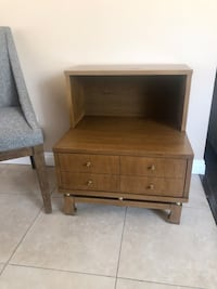 Mid Century Wood Side Table / Accent Table / Nightstand Glendale, 91204