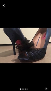Royal Blue Betsey Johnson stilettos with polka dot black lace detail on toes and heels. Like new. Size 10 Toronto, M3A 2R4