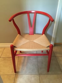 Modern wishbone chair - good condition ! Toronto, M2J 2Z6