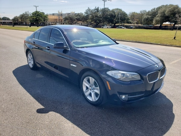 2013 BMW 5 Series 528i xDrive AWD Only 85K Miles - VERY CLEAN ! 2