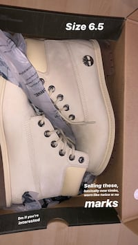 pair of white Timberland work boots with box Mississauga, L5R 3N9