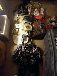 Hand bags and purses  Louisville, 40272