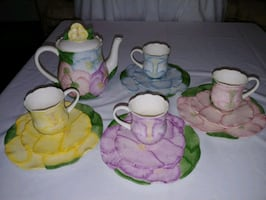Hearth and Home Designs tea set