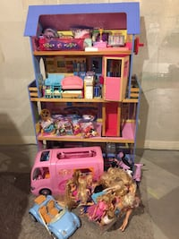 Barbie house and all accessories in picture London, N6B
