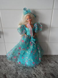1993 Birthday Barbie (no shoes) in amazing shape f Morinville