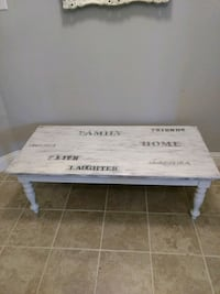 Farmhouse style coffee table Fort Worth, 76179