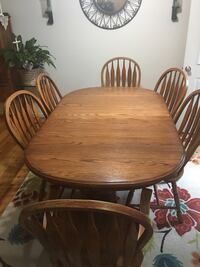 Oak table and 6 chair plus 4 leafs Harpers Ferry, 25425