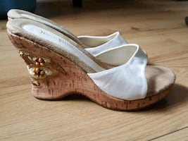Gorgeous Wedge Sandal w/ beautiful wedge detail