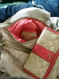 red and white leather handbag El Centro, 92243