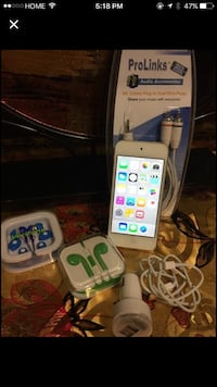 White ipod touch 5th gen and earbud Livermore, 94550