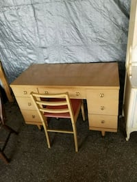 Pine Desk Great Condition  Ocala, 34480