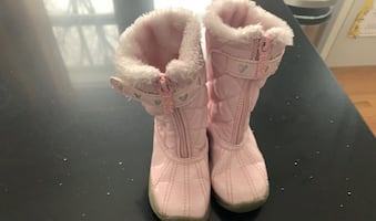 Totes snow boots size 8 toddler