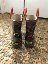 Pair of black-and-red rain boots Alexandria, 22315