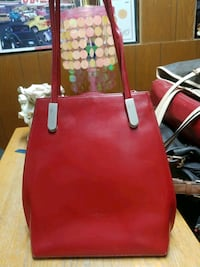 Frederic paris 2 in one over rhe shoulder or backpack style