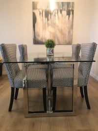 Glass Dining table  535 km