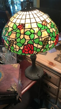 brown, green, and red floral stained glass table lamp Washington, 20002