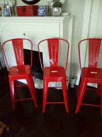 3 Red metal counter height chairs Kelowna, V1V