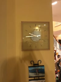 Glass clock Fairfax, 22030