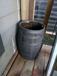 Wine barrel. 26ht 16 diameter of mouth Mississauga, L5A 2A6