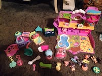 Little pet shop house and accessories