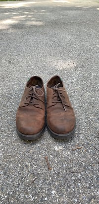 School shoes barely worn               boys size 5 1/2 brand school issue  Landenberg, 19350