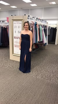 Dark blue strapless bridesmaids gown size 8 Calgary, T3A 5Y6