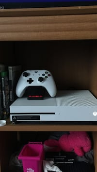 Xbox One S (Bundle Deal) Niles, 60714