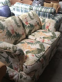 Tropical loveseat  Saint Petersburg, 33713