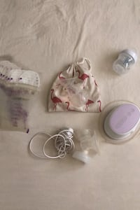 Avent Single Breast Pump and accessories  Mississauga, L5H 3W4