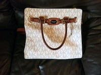 white and brown Michael Kors leather tote bag Parksville, V9P 1L7