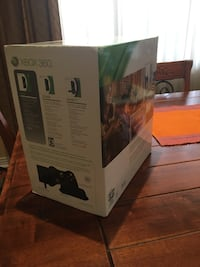 Microsoft XBox with Kinect. Lightly used and a few games included in this price Markham, L6C 3A6