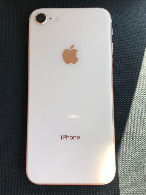 iPhone 8 gold ( READ DESCRIPTION 500a5c72-4c71-4219-8940-67e706ab50e7