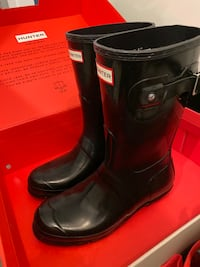 Hunter Short Gloss RainBoots Vancouver, V6Z 2P2