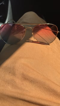 Silver framed ray-ban aviator sunglasses Baltimore, 21218