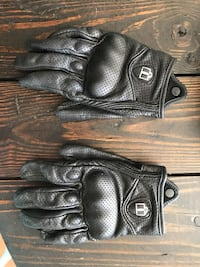 Icon gloves.large men's.used 10-20 times Calgary, T2Z 4Z9