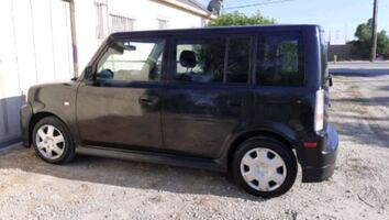 2005 - Scion - xB  5speed standar