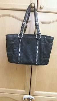 Euc coach bag. Medium size  Mississauga, L5V 2W9