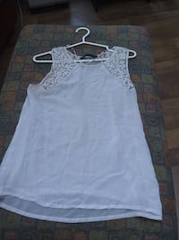 Blouse small Laval, H7W 2R8