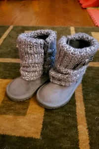 Size 6 Toddler Boots 2239 mi