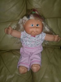 Cabbage Patch Doll Auburn, 30011