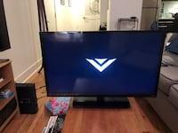 Black 32 inch vizio flat screen tv with remote Philadelphia, 19144