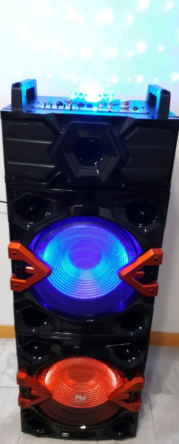 Bluetooth party speaker 4