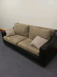 Living Room Set... Great Condition... Jacksonville, 32244